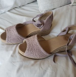 UGG Wedge Sandal in Lilac